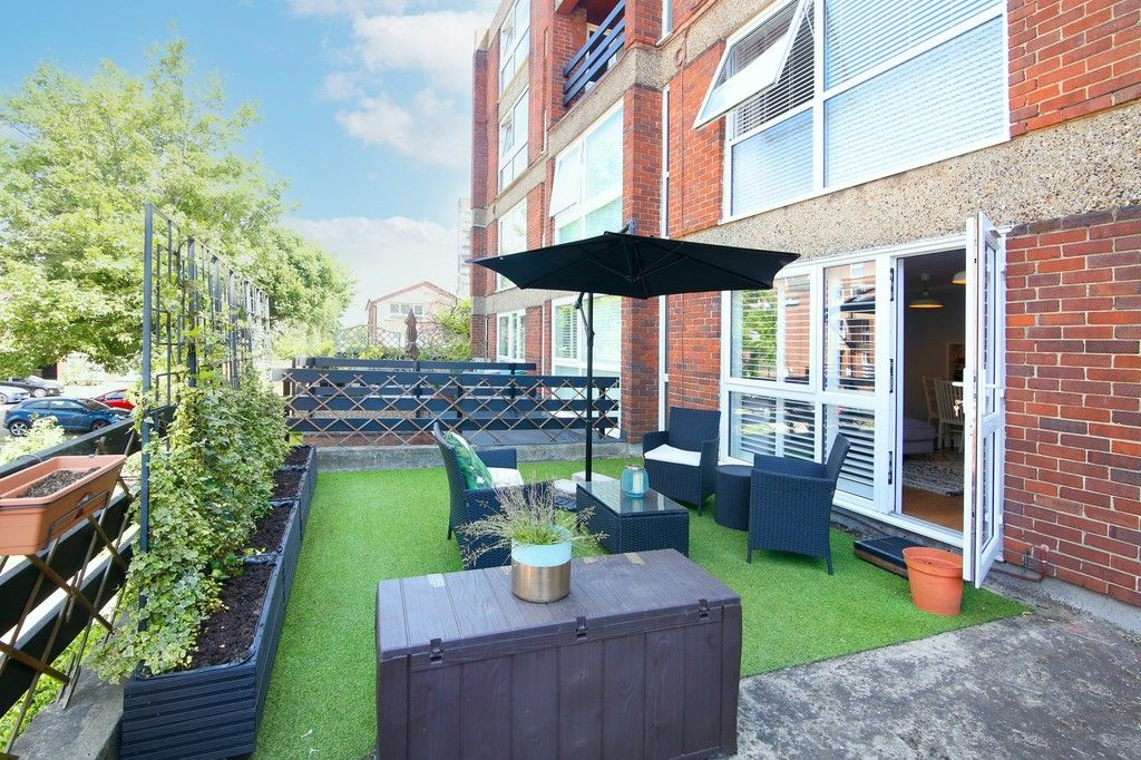 3 bed flat for sale in Manor Road, Sidcup, DA15  - Property Image 6