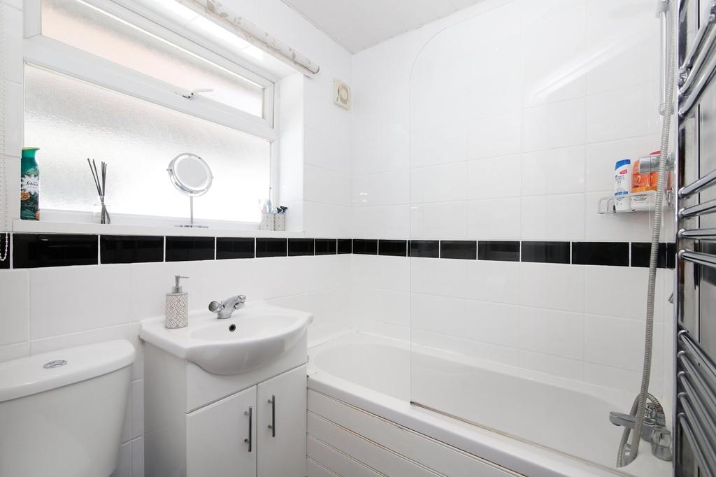 2 bed flat for sale in Blenheim Court, Sidcup, DA14  - Property Image 5