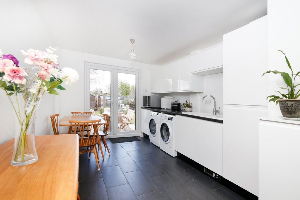 5 bed house for sale in Faraday Avenue, Sidcup, DA14  - Property Image 5