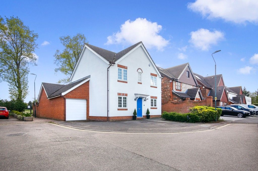 4 bed house for sale in Hemmings Close, Sidcup, DA14 - Property Image 1