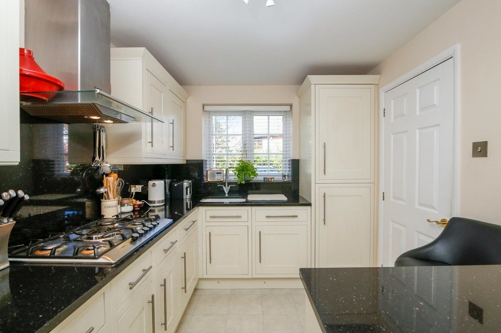 4 bed house for sale in Hemmings Close, Sidcup, DA14  - Property Image 4