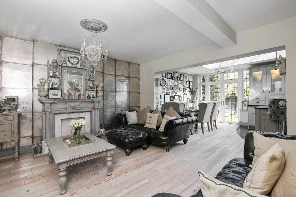 4 bed house for sale in Meadow View, Sidcup, DA15  - Property Image 2