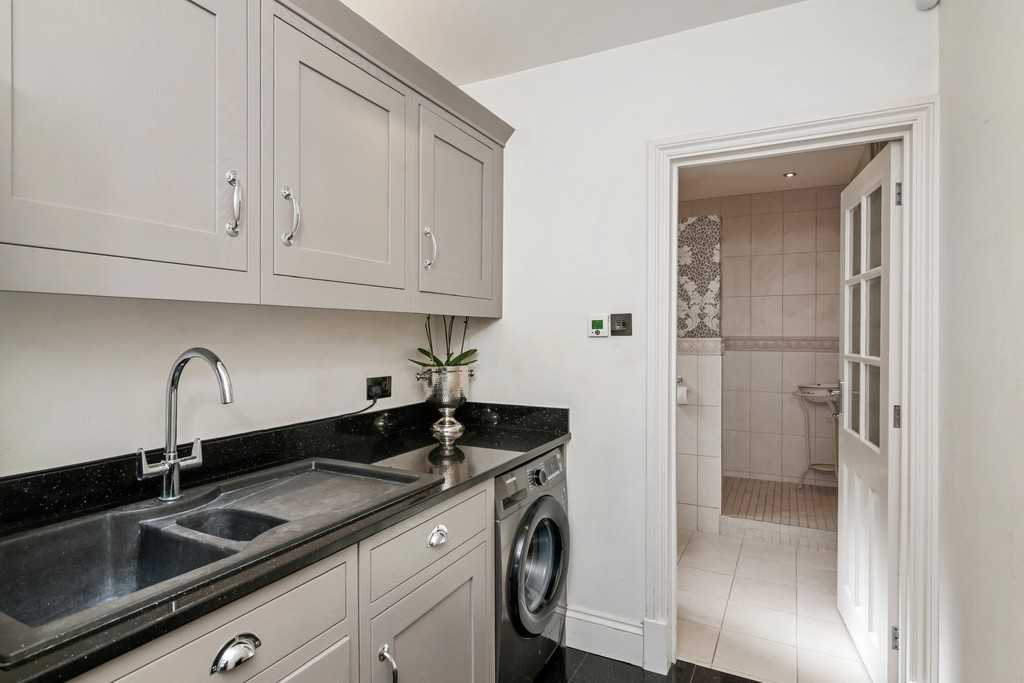 4 bed house for sale in Meadow View, Sidcup, DA15  - Property Image 11