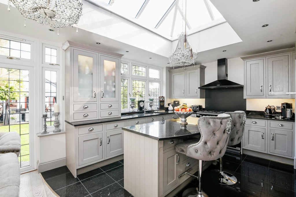 4 bed house for sale in Meadow View, Sidcup, DA15  - Property Image 4