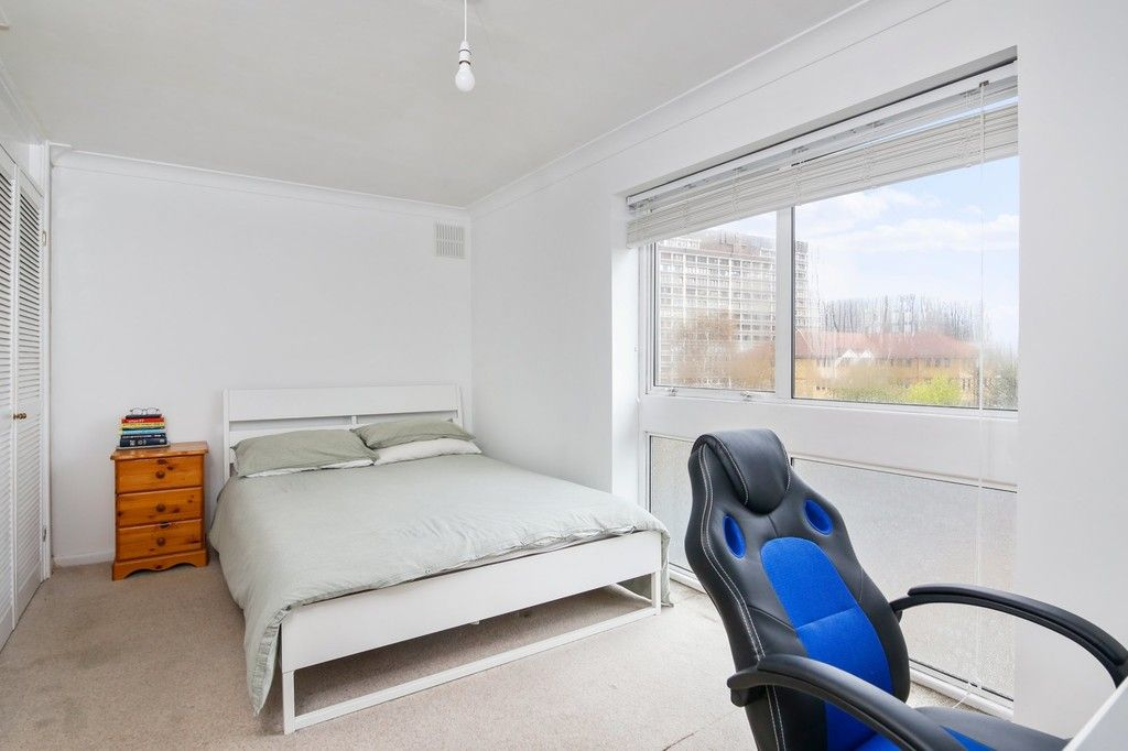 2 bed flat for sale in Longlands Road, Sidcup, DA15  - Property Image 3