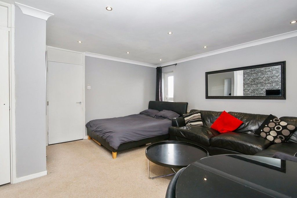 2 bed flat for sale in Longlands Road, Sidcup, DA15  - Property Image 5