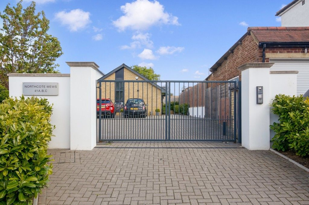 2 bed bungalow for sale in Northcote Road, Sidcup, DA14, DA14