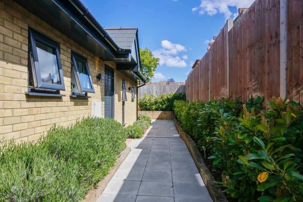 2 bed bungalow for sale in Northcote Road, Sidcup, DA14  - Property Image 4