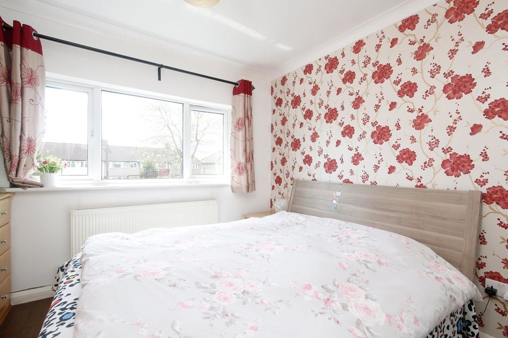 3 bed house for sale in Berwick Crescent, Sidcup, DA15  - Property Image 4