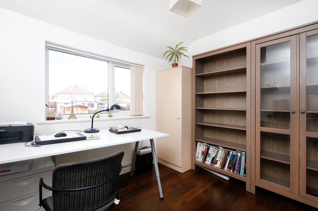 3 bed house for sale in Berwick Crescent, Sidcup, DA15  - Property Image 5