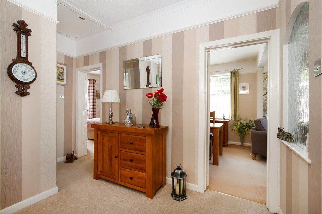 2 bed bungalow for sale in Old Farm Road East, Sidcup, DA15  - Property Image 11