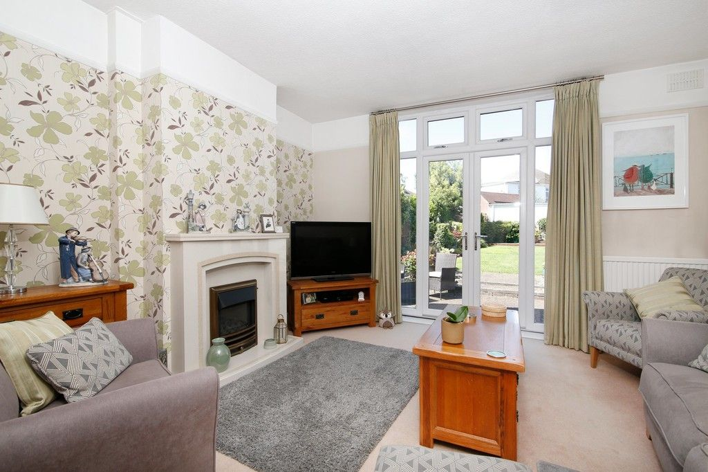 2 bed bungalow for sale in Old Farm Road East, Sidcup, DA15  - Property Image 4