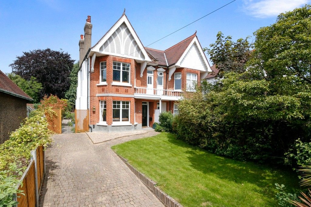 4 bed house for sale in Knoll Road, Sidcup. DA14 4QT  - Property Image 1