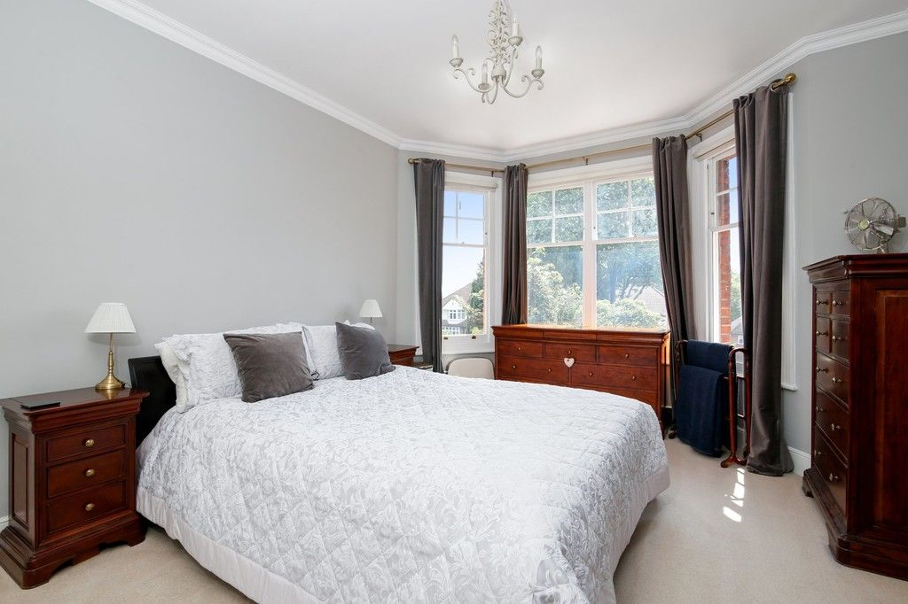 4 bed house for sale in Knoll Road, Sidcup. DA14 4QT  - Property Image 18