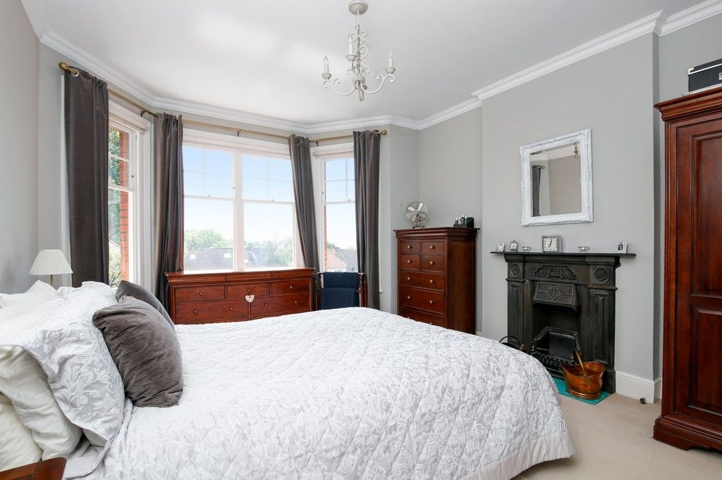 4 bed house for sale in Knoll Road, Sidcup. DA14 4QT  - Property Image 5