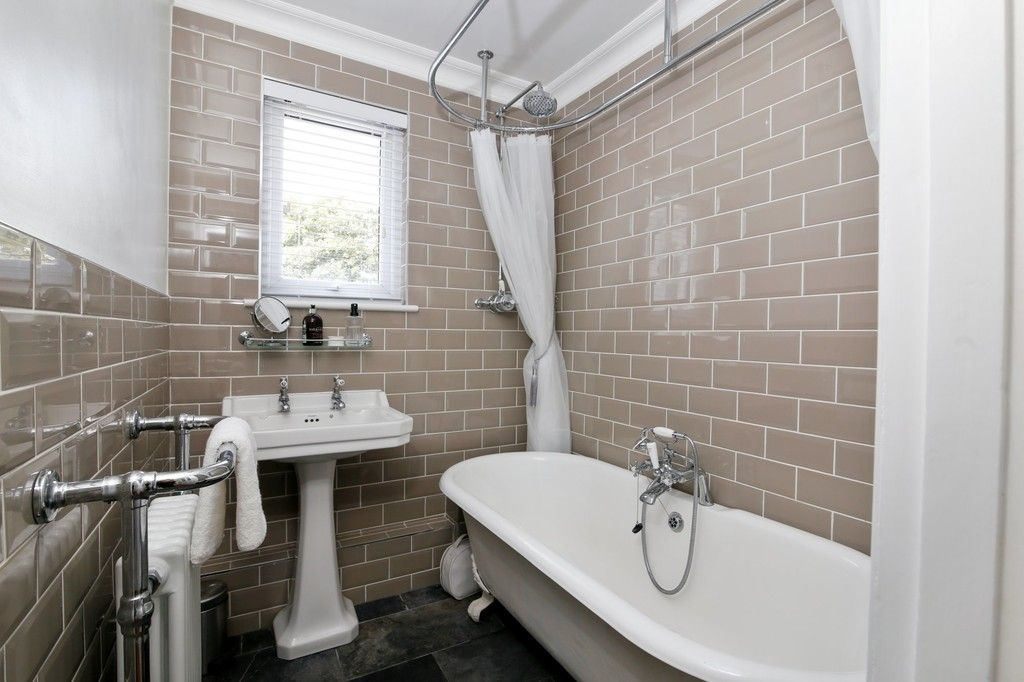 4 bed house for sale in Knoll Road, Sidcup. DA14 4QT  - Property Image 8