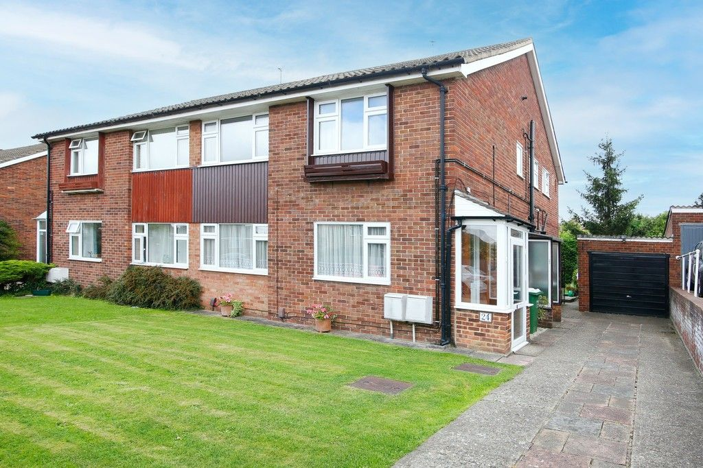 2 bed flat for sale in Appledore Crescent, Sidcup, DA14 - Property Image 1