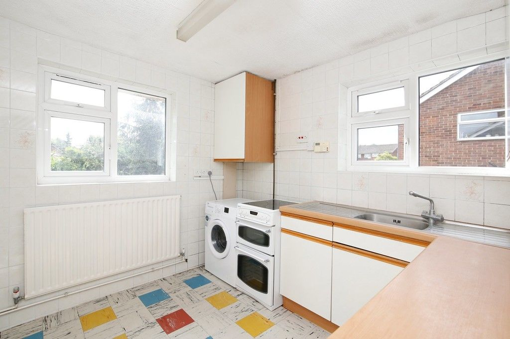 2 bed flat for sale in Appledore Crescent, Sidcup, DA14  - Property Image 3