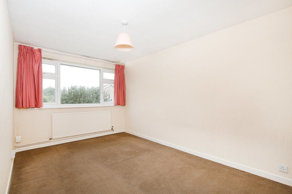 2 bed flat for sale in Appledore Crescent, Sidcup, DA14  - Property Image 4