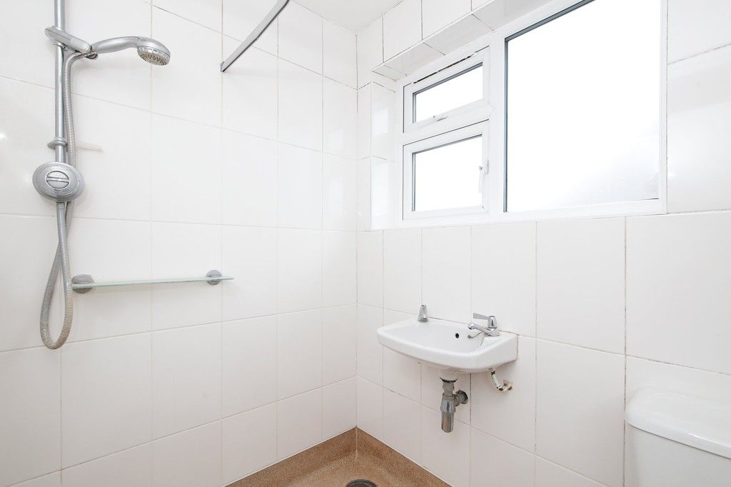 2 bed flat for sale in Appledore Crescent, Sidcup, DA14  - Property Image 5