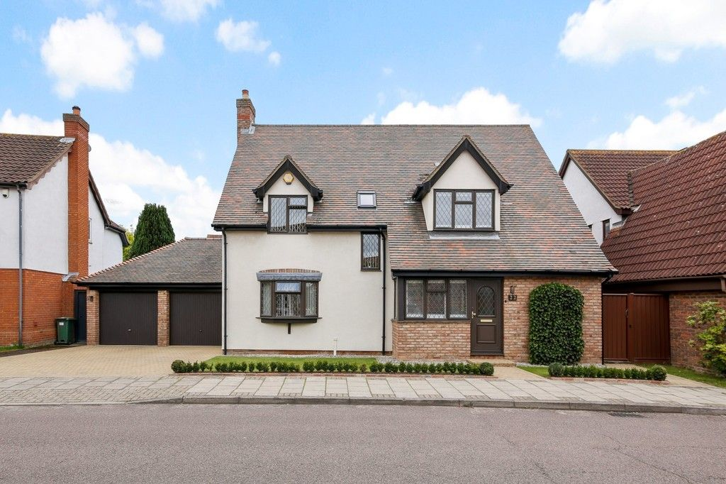 4 bed house for sale in Maple Leaf Drive, Sidcup, DA15 8W - Property Image 1