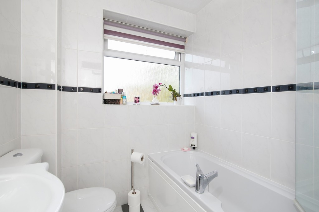 2 bed house for sale in Bursdon Close, Sidcup, DA15  - Property Image 5