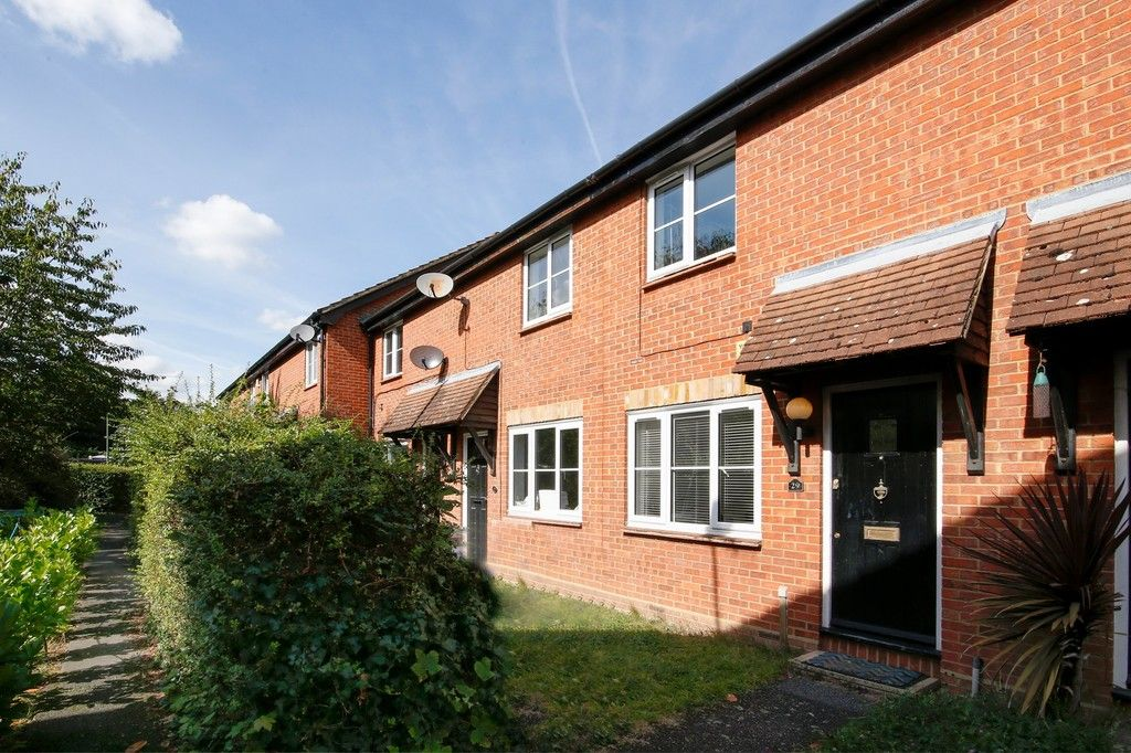 2 bed house for sale in Larch Grove, The Hollies, DA15 - Property Image 1