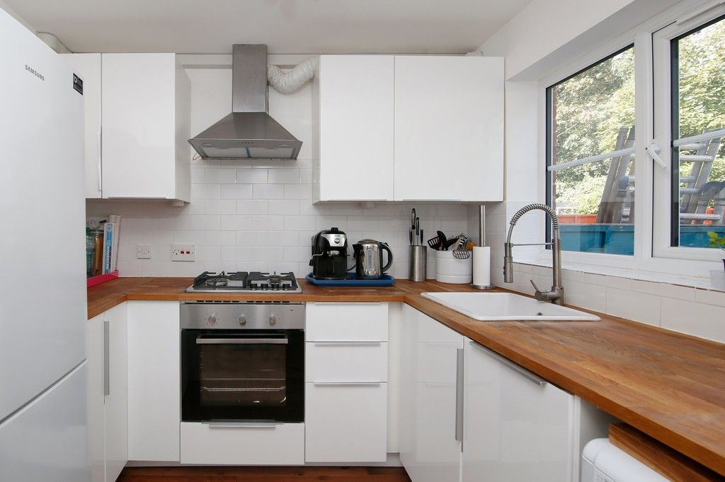 2 bed house for sale in Larch Grove, The Hollies, DA15  - Property Image 3