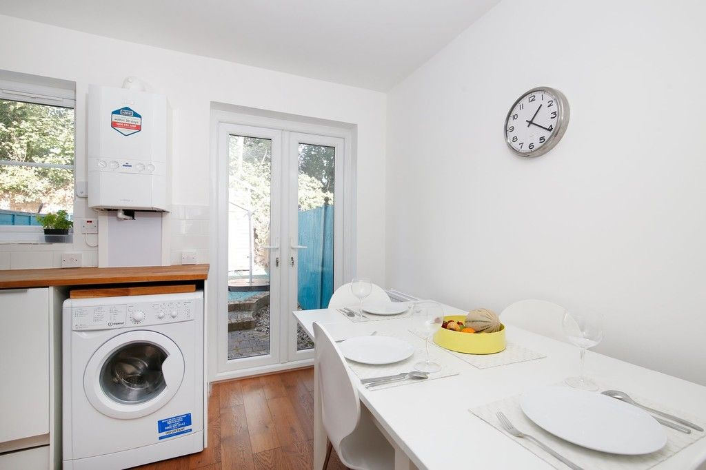 2 bed house for sale in Larch Grove, The Hollies, DA15  - Property Image 4