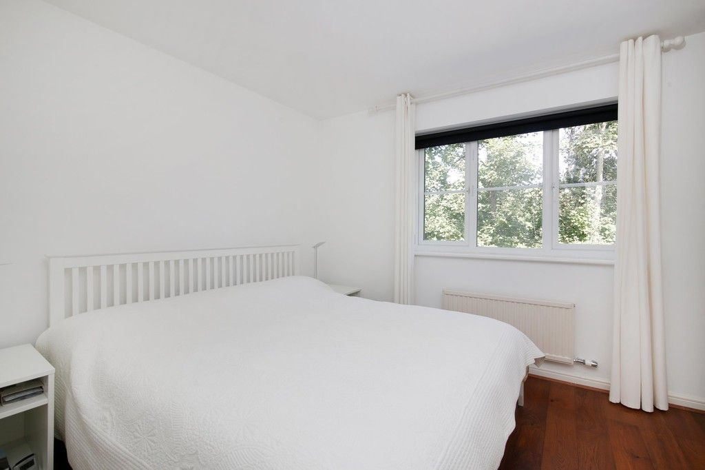 2 bed house for sale in Larch Grove, The Hollies, DA15  - Property Image 5