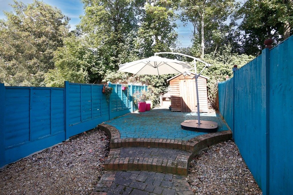 2 bed house for sale in Larch Grove, The Hollies, DA15  - Property Image 8