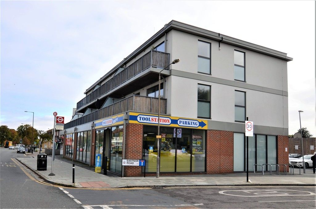 2 bed flat to rent, SE9