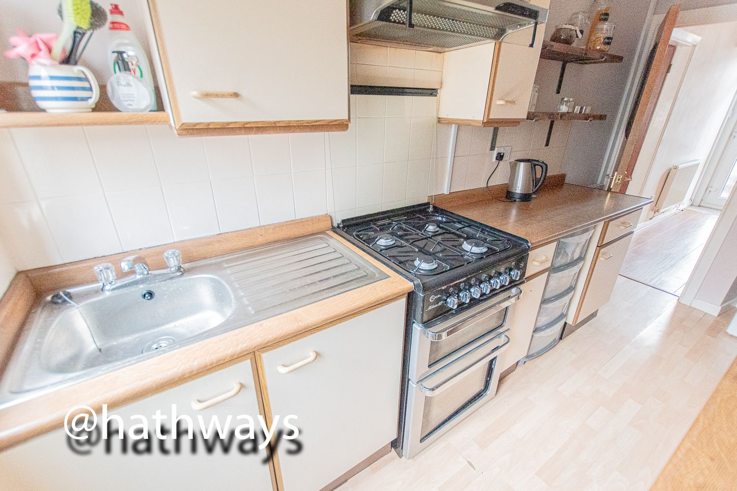 2 bed house for sale in Manor Road 13