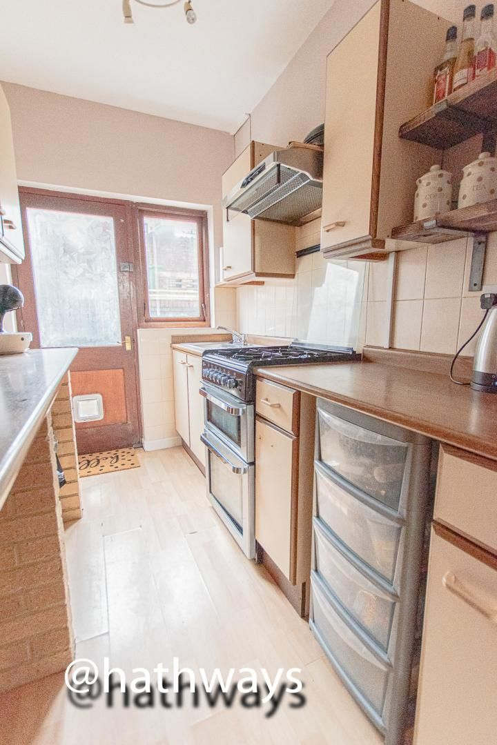 2 bed house for sale in Manor Road 15