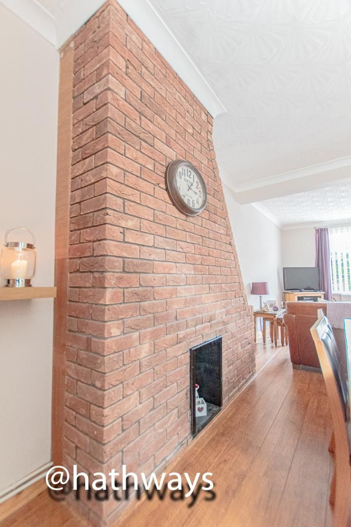 2 bed house for sale in Manor Road 9