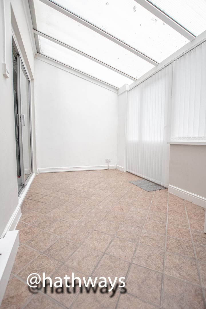4 bed house to rent in Daffodil Court 12