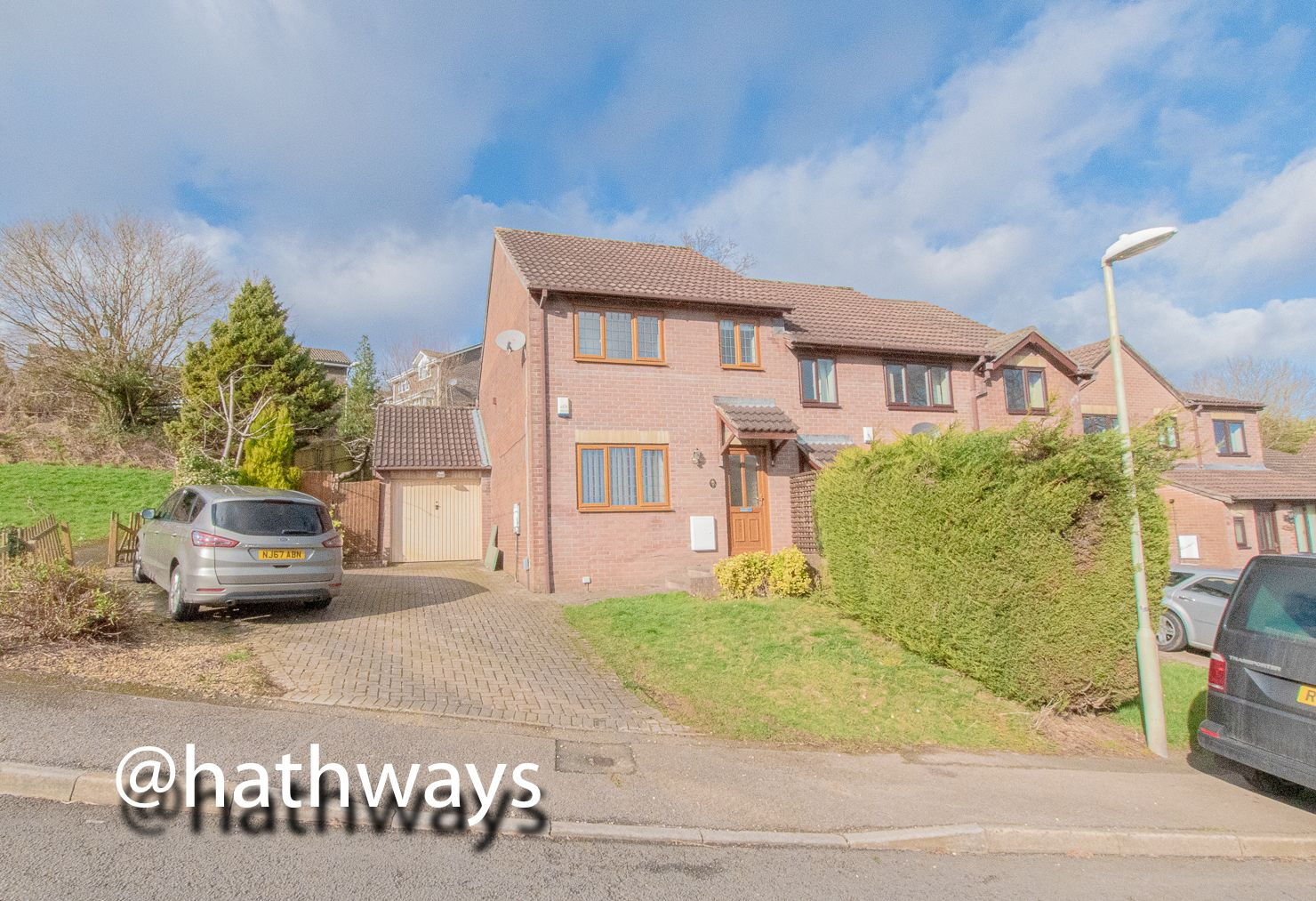 3 bed house to rent in Heather Court, NP44