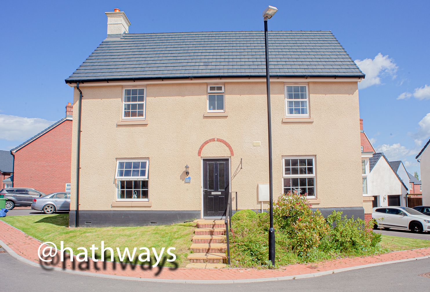 4 bed house for sale in Lon Ffion, NP44