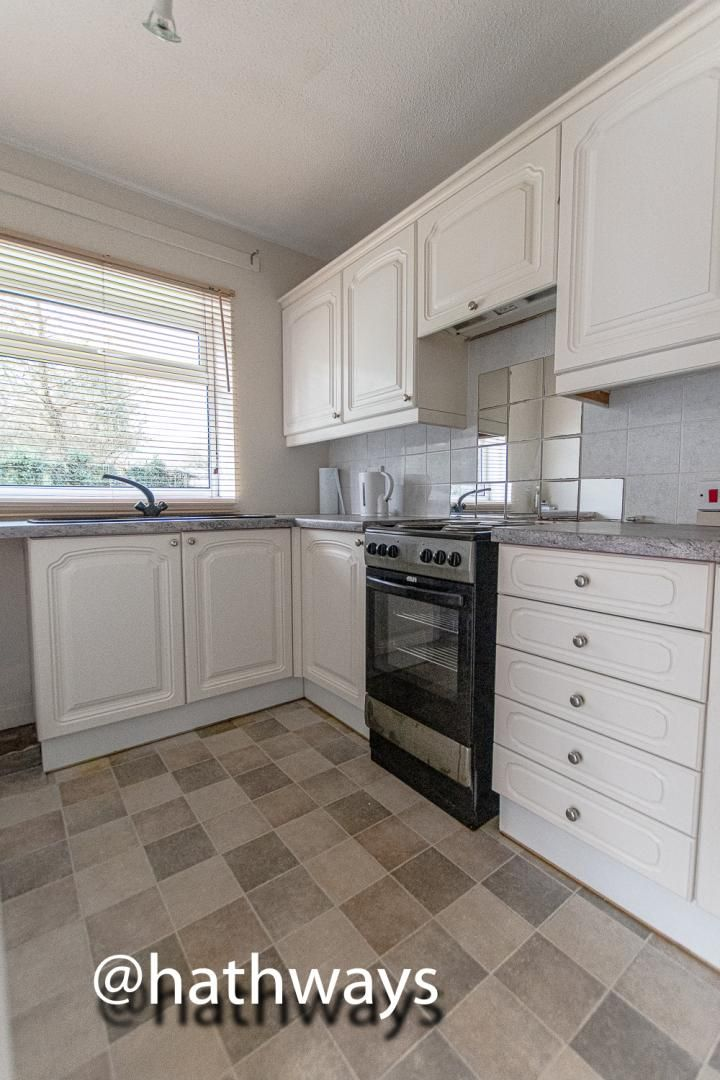 2 bed flat for sale in Coed Lee 8