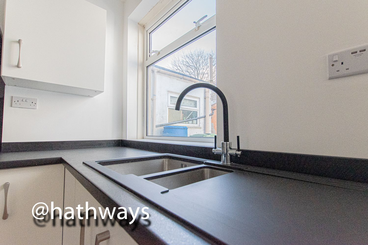 2 bed house for sale in Grosvenor Place 11