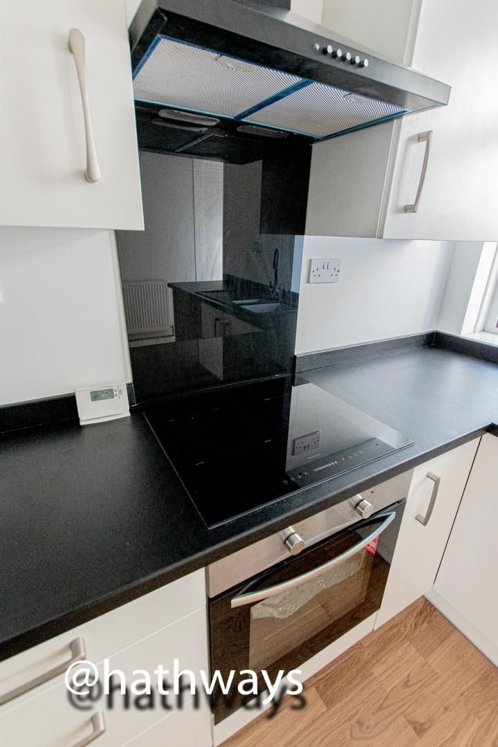 2 bed house for sale in Grosvenor Place 10
