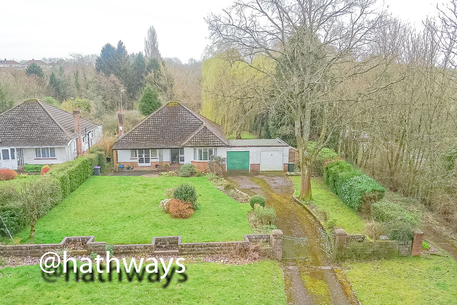 4 bed bungalow for sale in Pentre Lane  - Property Image 1