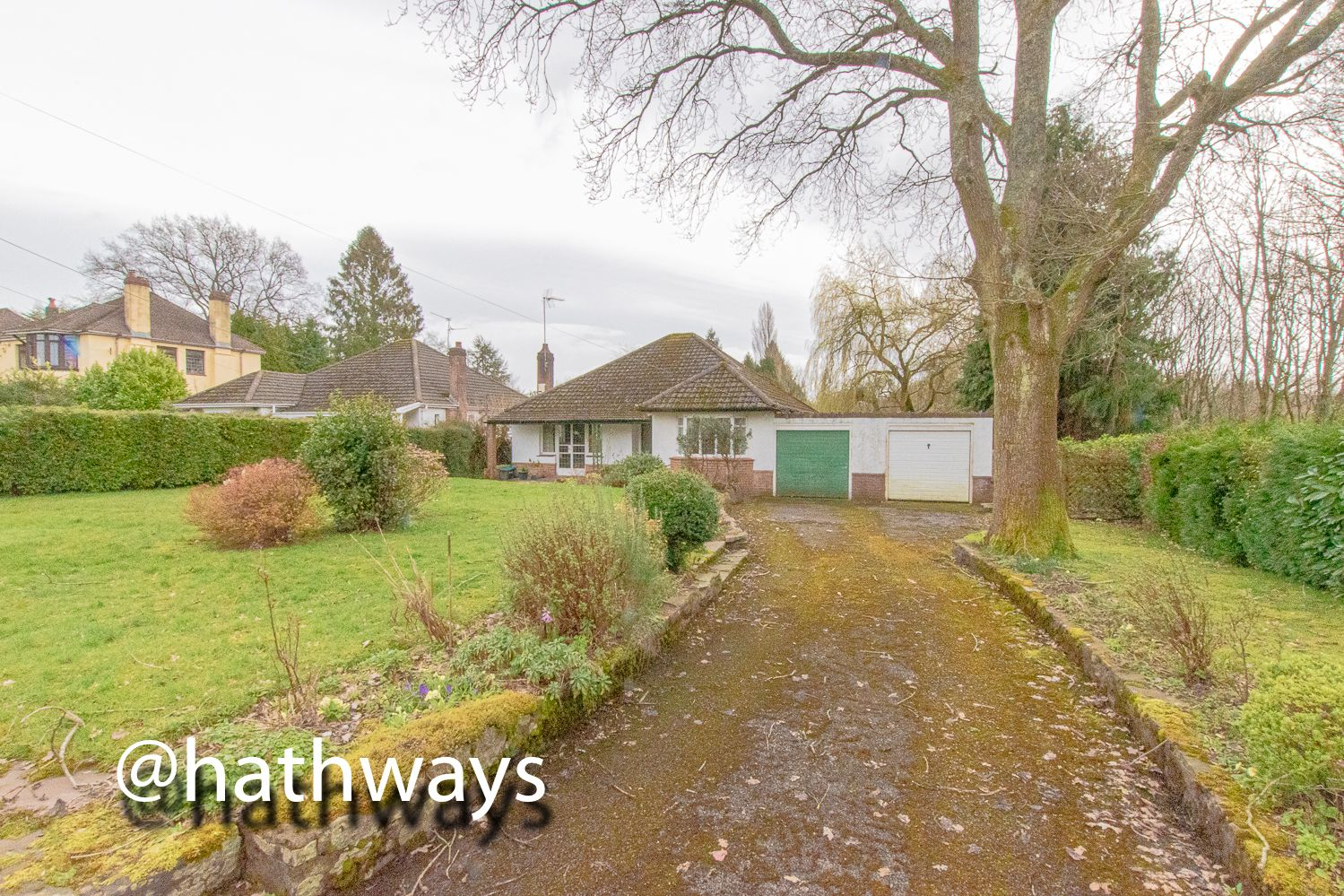 4 bed bungalow for sale in Pentre Lane 32