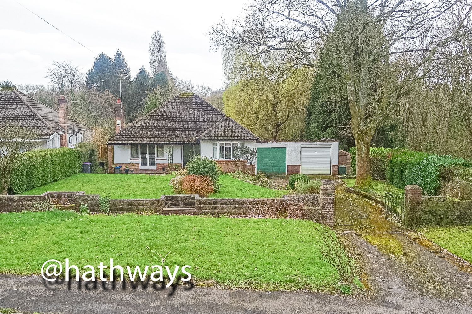 4 bed bungalow for sale in Pentre Lane 35
