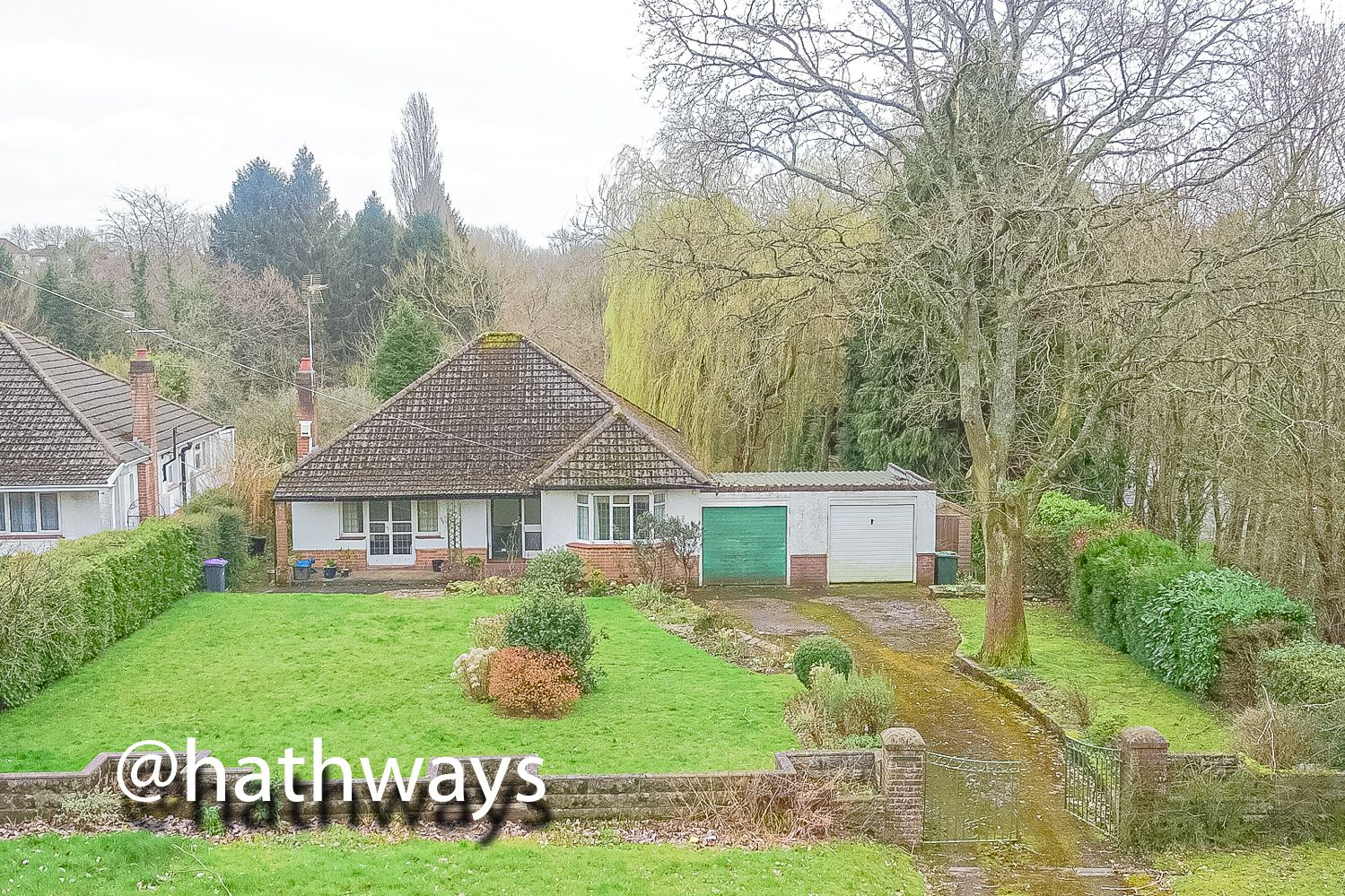 4 bed bungalow for sale in Pentre Lane 37