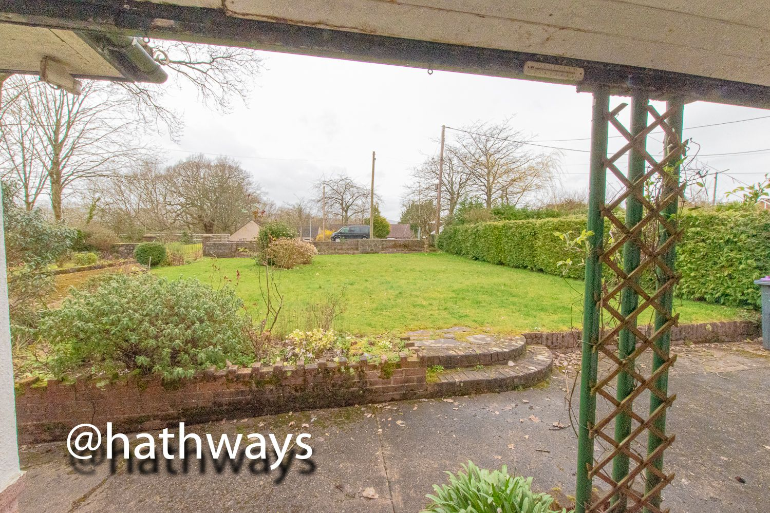 4 bed bungalow for sale in Pentre Lane 50
