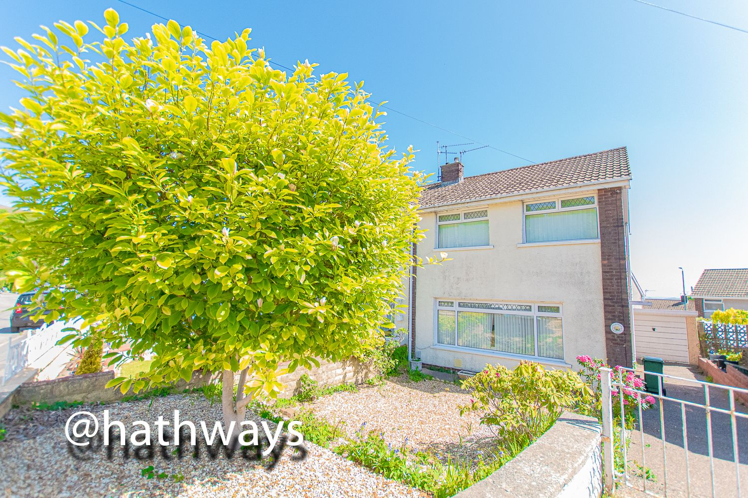 3 bed house for sale in Thornhill Close  - Property Image 2