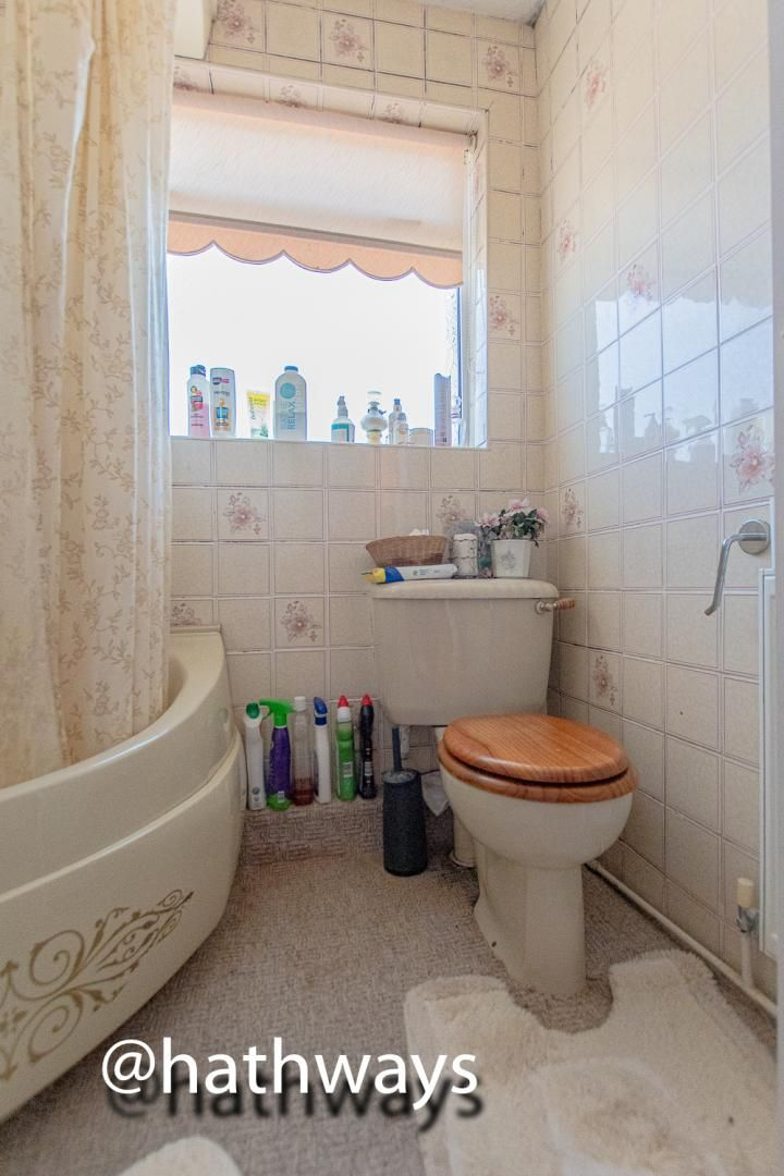 3 bed house for sale in Thornhill Close 18