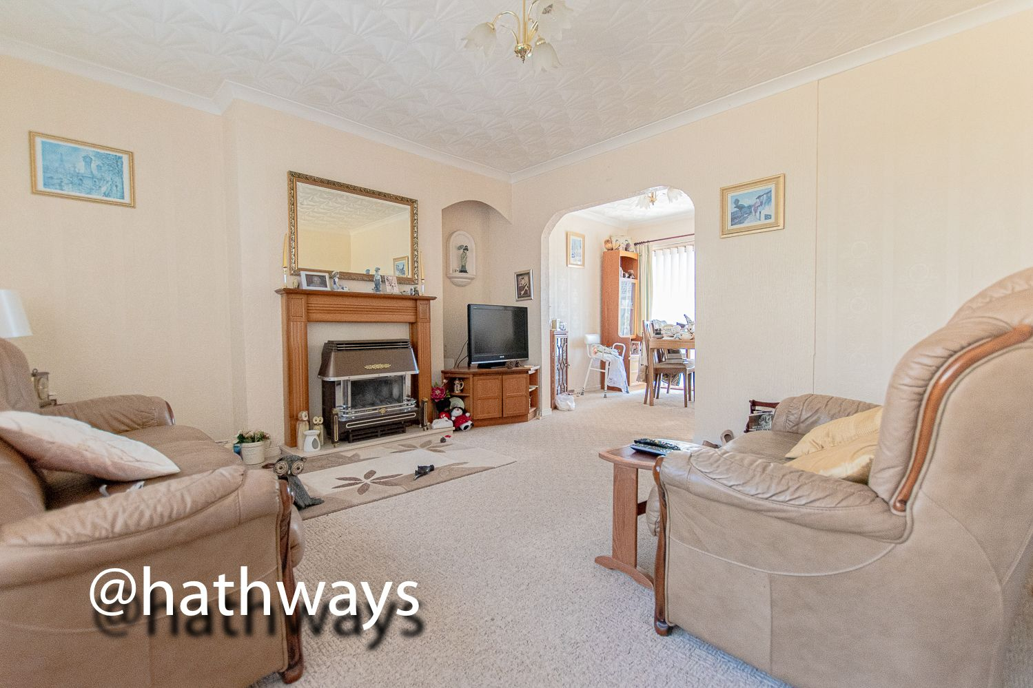 3 bed house for sale in Thornhill Close  - Property Image 5