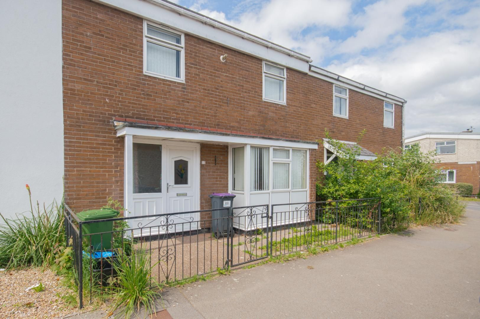 2 bed house to rent in Porthmawr Road, NP44